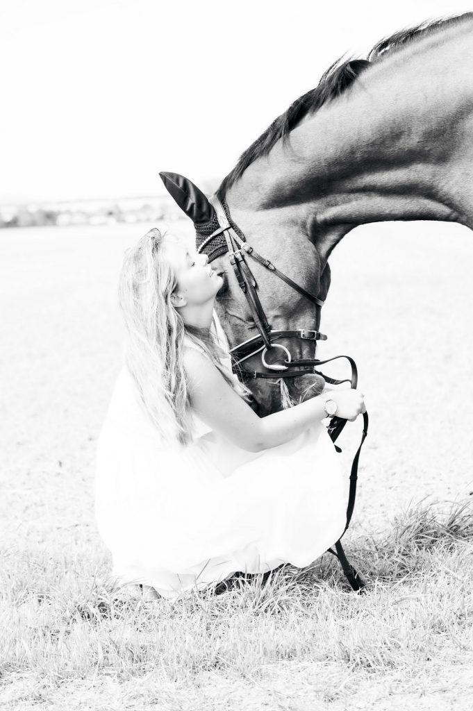 Nele, Pferd-323_Bildgröße ändern